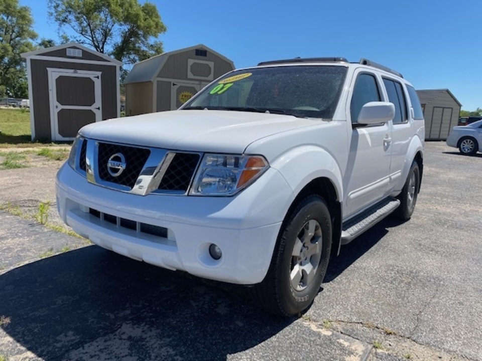 2007 Nissan Pathfinder SE  - L4348R  - Family Motors, Inc.