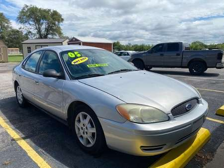 2005 Ford Taurus SE for Sale  - LLL4256  - Family Motors, Inc.