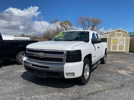 2009 Chevrolet Silverado 1500 LT for Sale  - L4331R  - Family Motors, Inc.