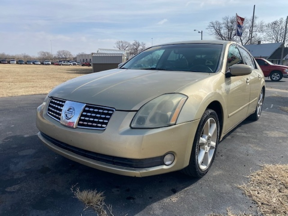 2004 Nissan Maxima SE  - 4360  - Family Motors, Inc.