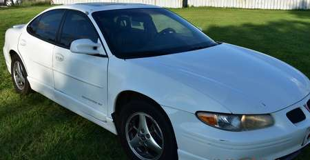 2001 Pontiac Grand Prix GT Sedan for Sale  - LFLLLLLLL3801  - Family Motors, Inc.