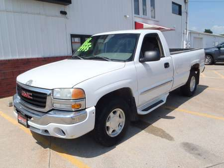 2003 GMC NEW SIERRA 1500 for Sale  - 207381  - Martinson's Used Cars, LLC