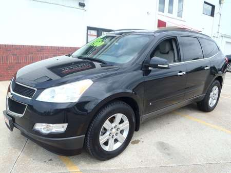 2010 Chevrolet Traverse LT for Sale  - 127808  - Martinson's Used Cars, LLC