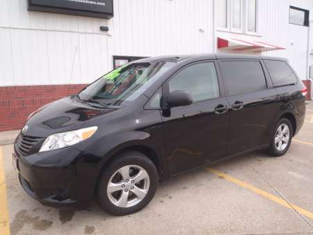 2012 Toyota Sienna BASE for Sale  - 13635  - Martinson's Used Cars, LLC