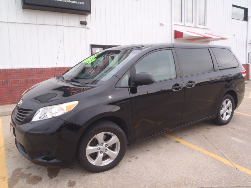 2012 Toyota Sienna  - Martinson's Used Cars, LLC