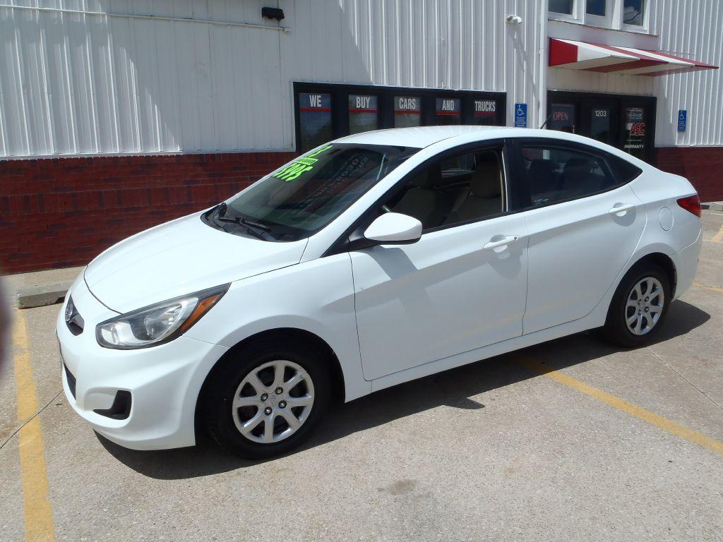2013 Hyundai Accent  - Martinson's Used Cars, LLC