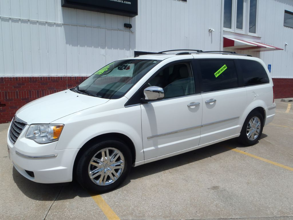 2010 Chrysler Town & Country  - Martinson's Used Cars, LLC