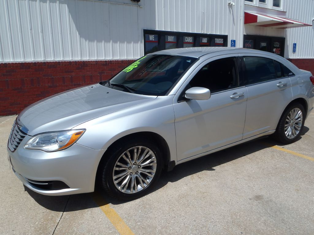 2012 Chrysler 200 LX  - 282276  - Martinson's Used Cars, LLC