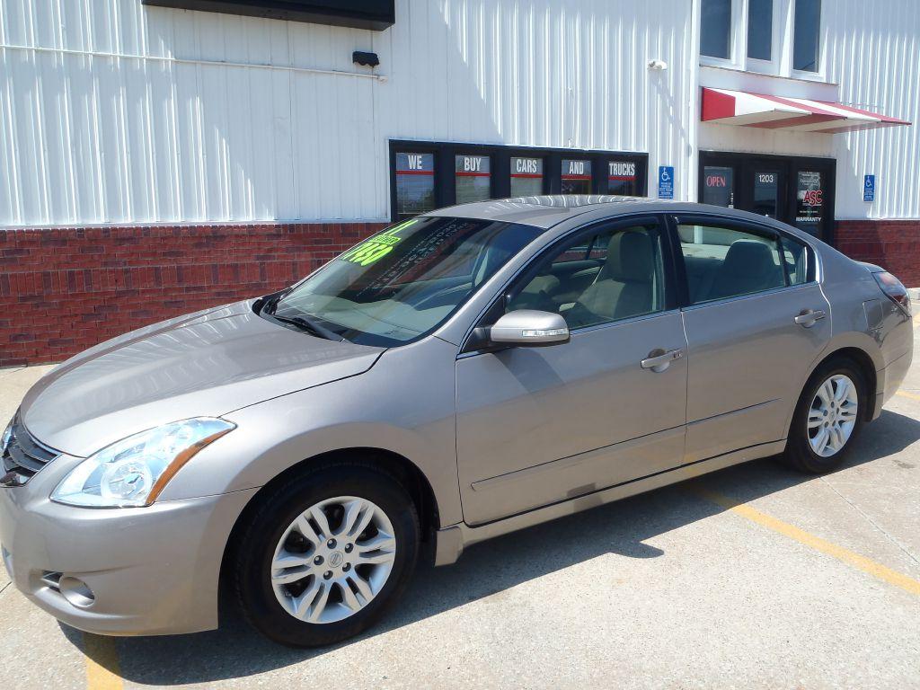 2011 Nissan Altima  - Martinson's Used Cars, LLC
