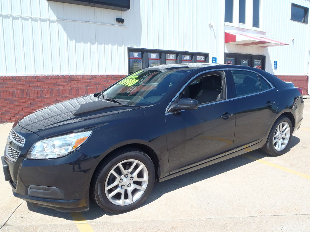 2013 Chevrolet Malibu 1LT  - 05942  - Martinson's Used Cars, LLC