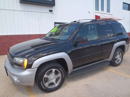 2005 Chevrolet TrailBlazer LT for Sale  - 184175  - Martinson's Used Cars, LLC