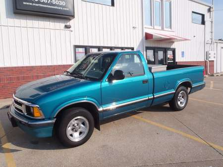 1995 Chevrolet S TRUCK S10 for Sale  - 140018  - Martinson's Used Cars, LLC