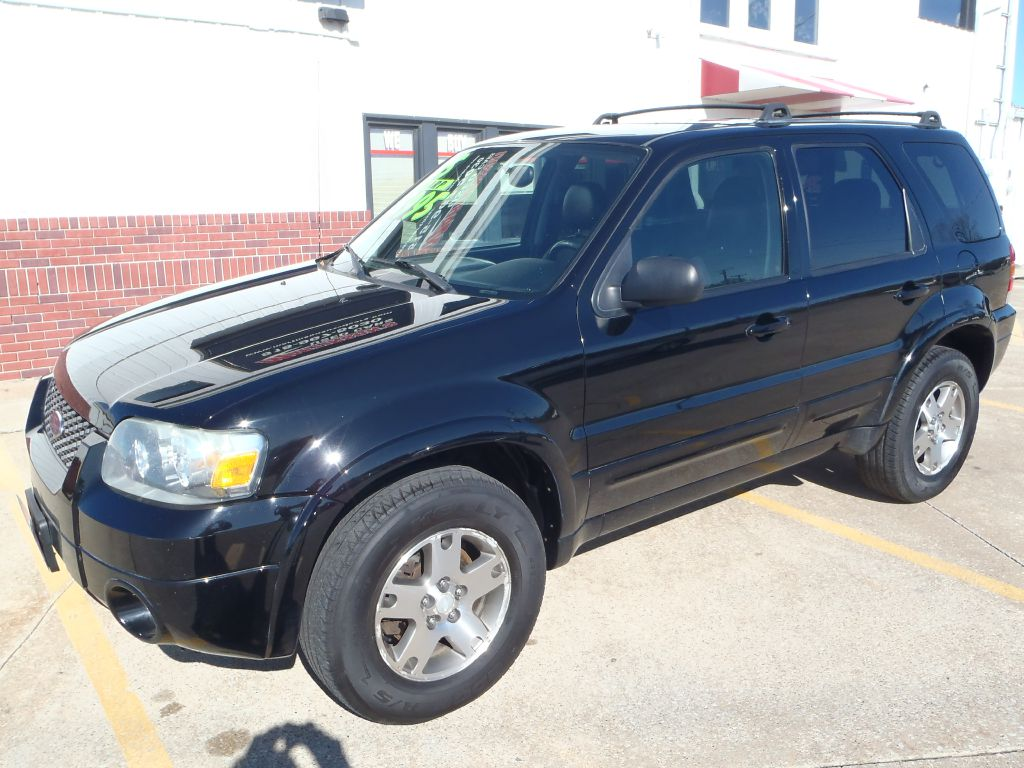 2005 Ford Escape  - Martinson's Used Cars, LLC
