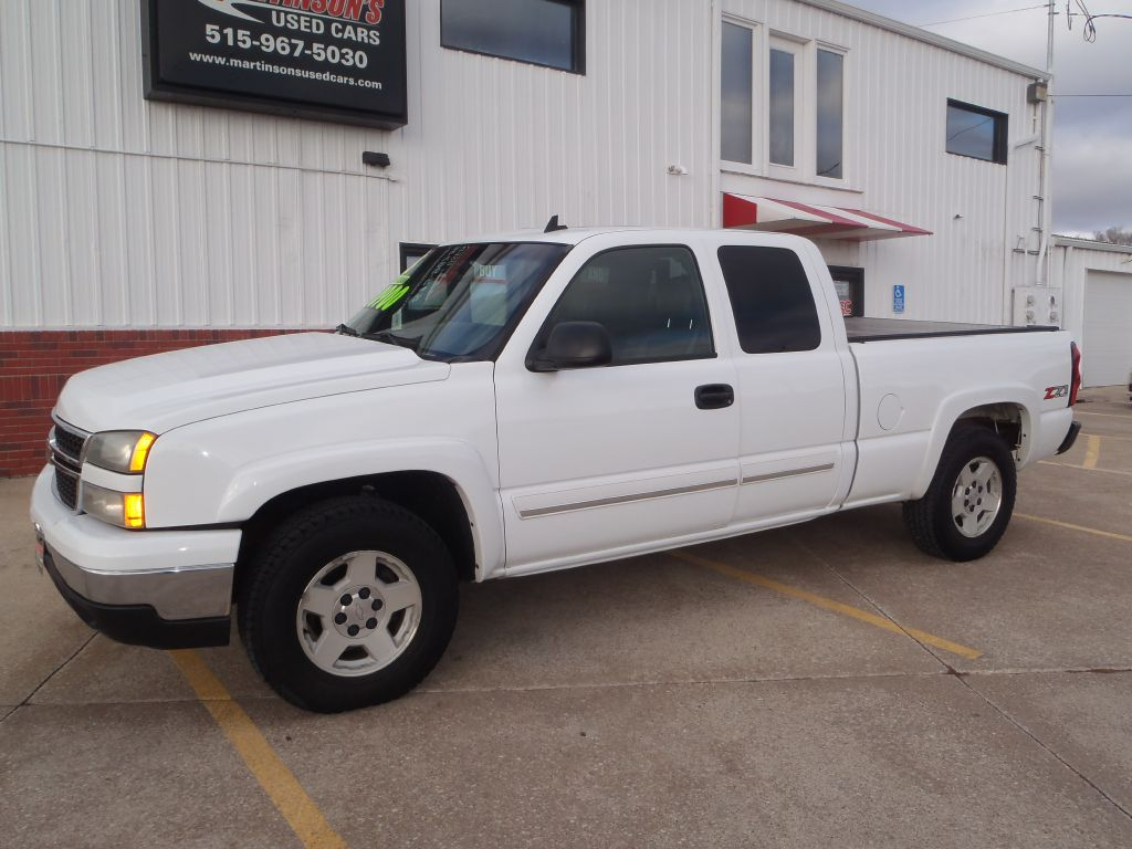 2006 Chevrolet Silverado 1500  - Martinson's Used Cars, LLC