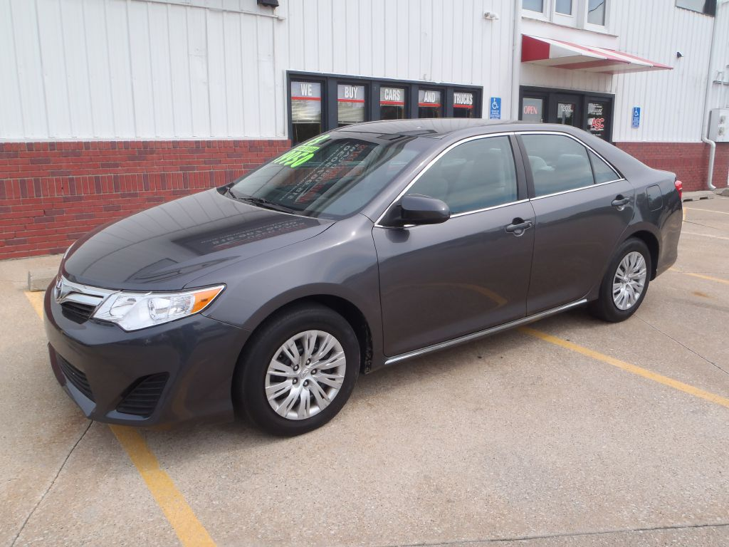 2013 Toyota Camry Le  - 261045  - Martinson's Used Cars, LLC