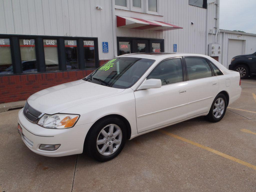 2000 Toyota Avalon  - Martinson's Used Cars, LLC