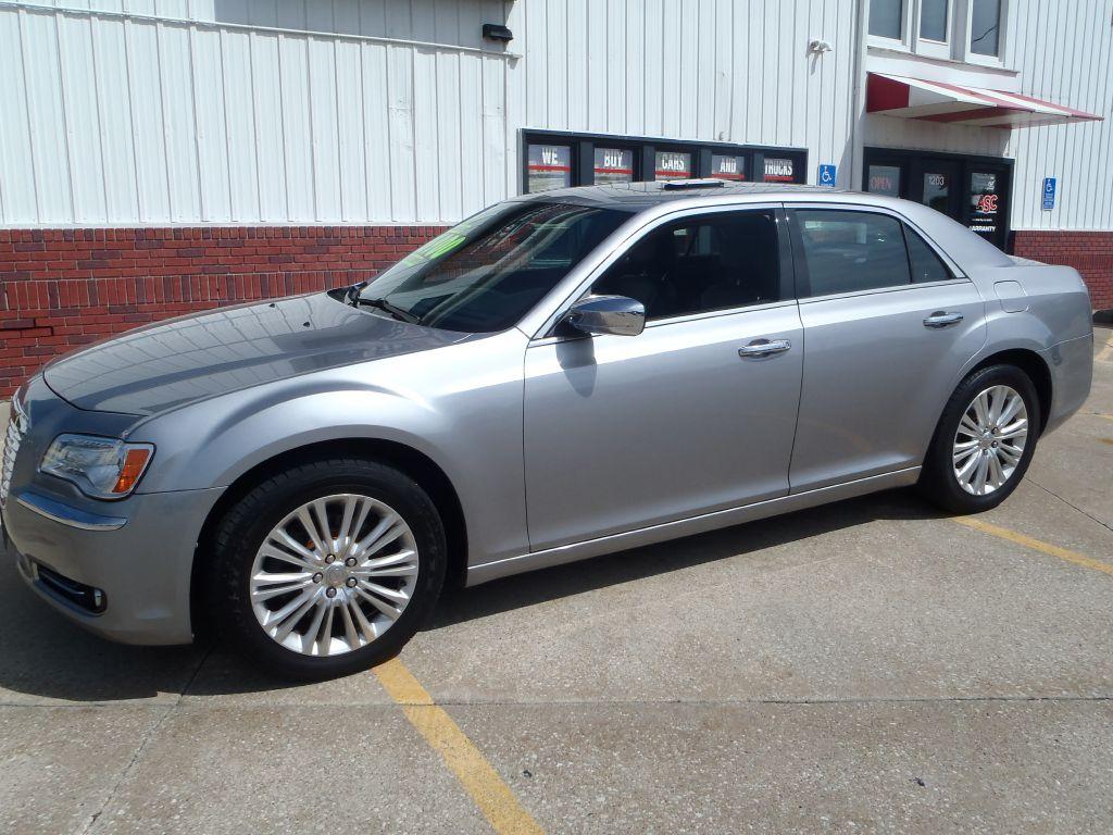 2014 Chrysler 300C  - 120718  - Martinson's Used Cars, LLC