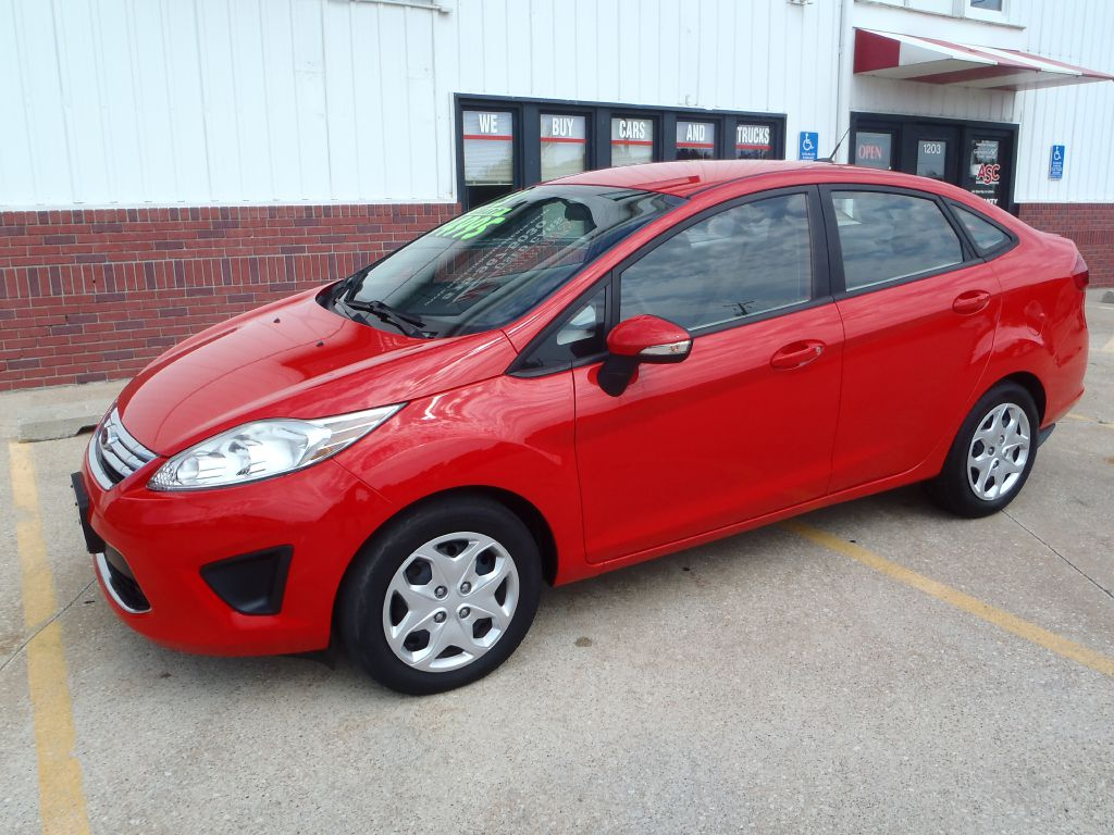 2013 Ford Fiesta SE  - 144275  - Martinson's Used Cars, LLC