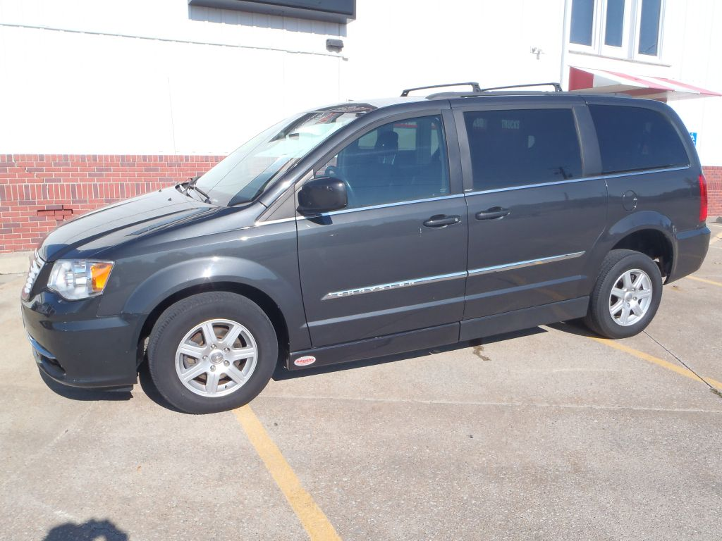 2012 Chrysler Town & Country  - Martinson's Used Cars, LLC