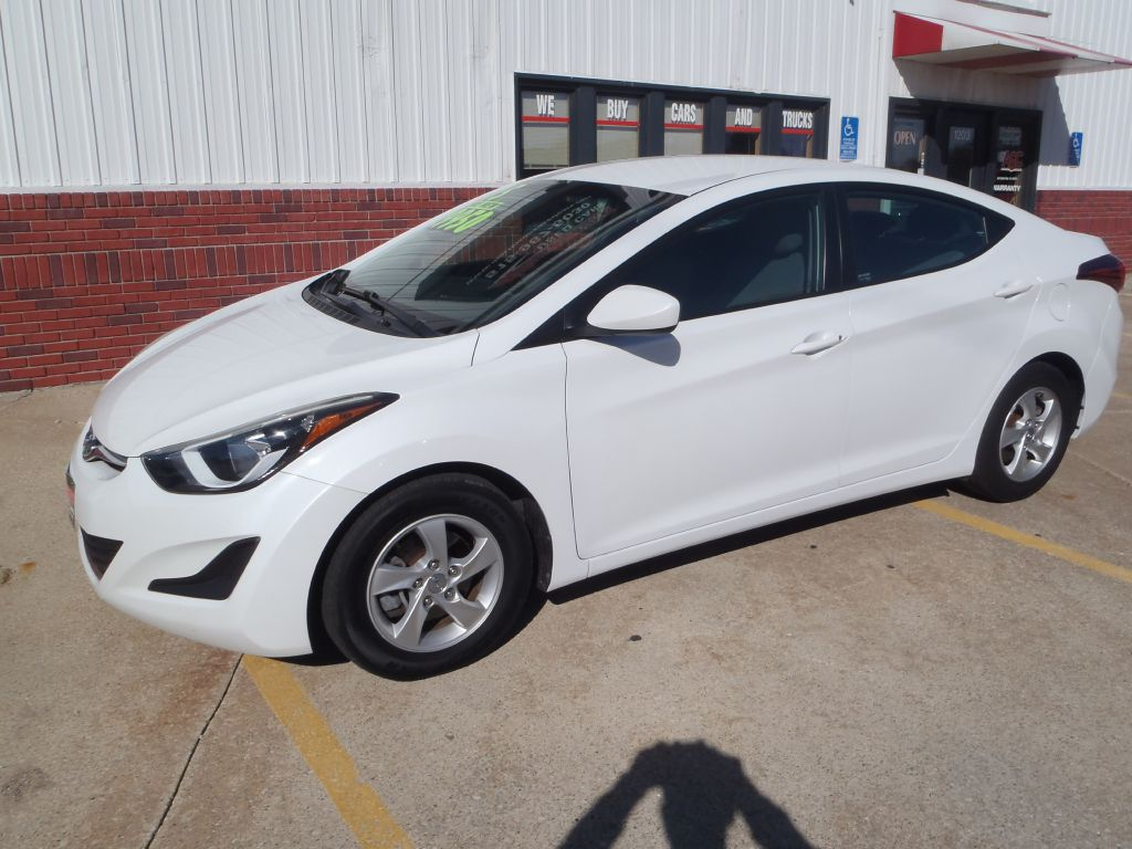 2015 Hyundai Elantra  - Martinson's Used Cars, LLC