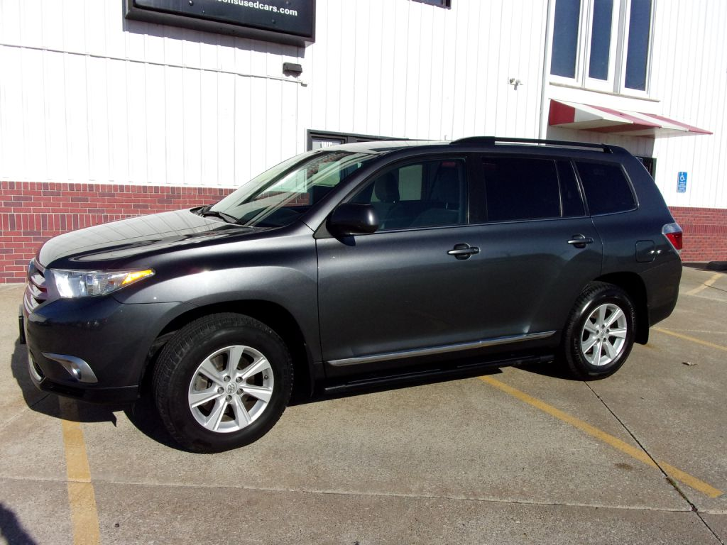 2011 Toyota Highlander  - Martinson's Used Cars, LLC