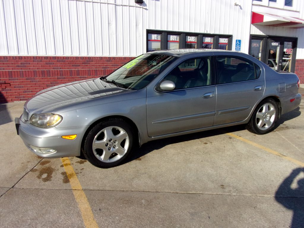 2000 Infiniti I-30  - Martinson's Used Cars, LLC
