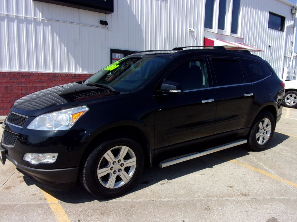 2012 Chevrolet Traverse LT  - 177532  - Martinson's Used Cars, LLC
