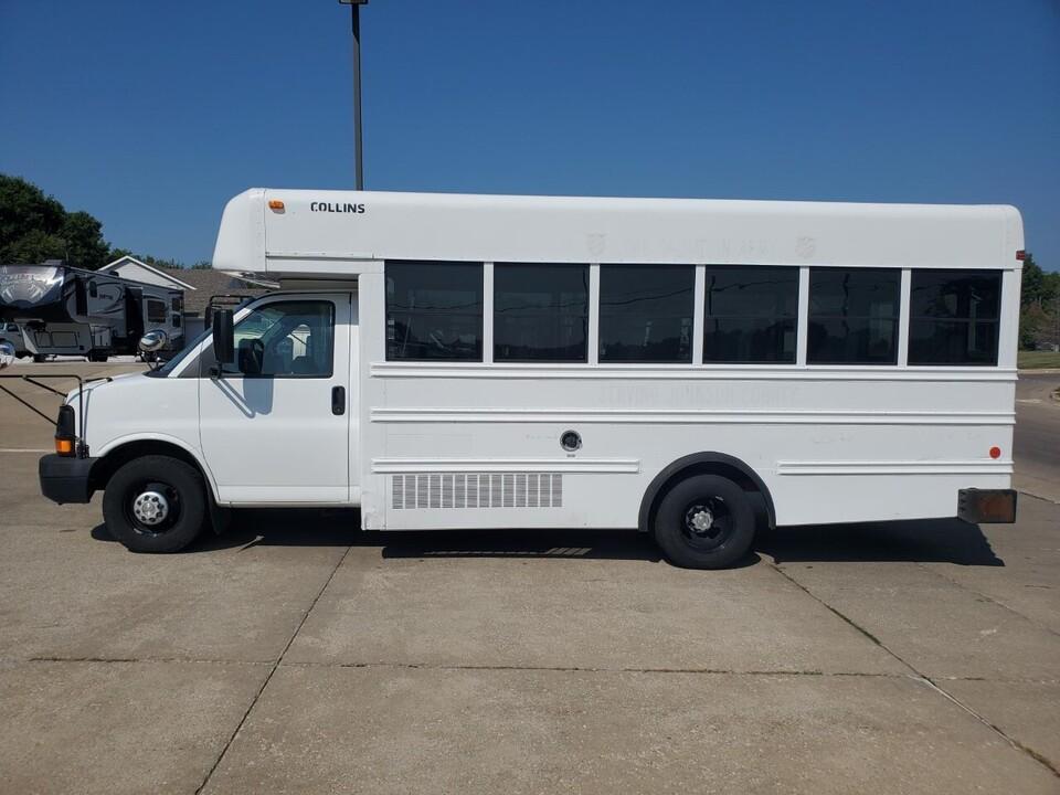 2008 Chevrolet G3500 18 Passenger Bus  - 72854  - Nelson Automotive