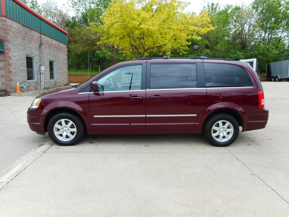 2009 Chrysler Town & Country  - Nelson Automotive