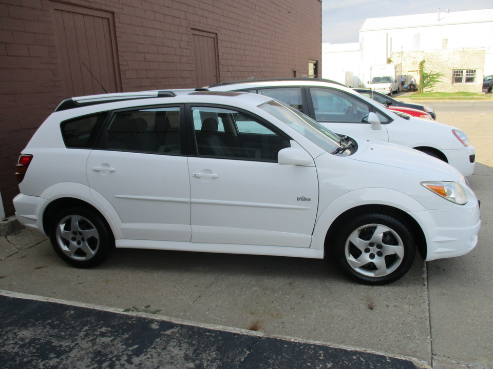 2006 Pontiac Vibe  - Hawkeye Car Credit - Newton