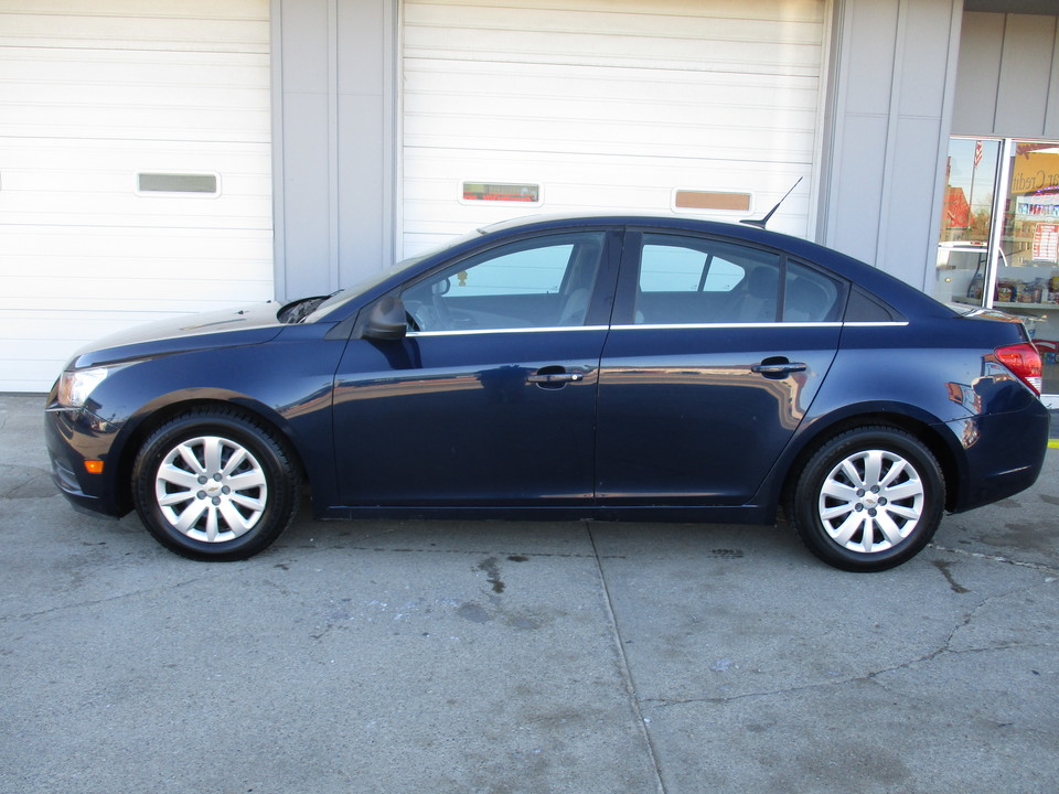 2011 Chevrolet Cruze  - Hawkeye Car Credit - Newton