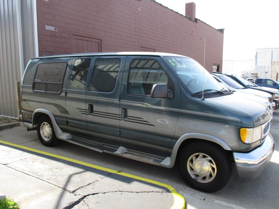 1997 Ford Econoline  - Hawkeye Car Credit - Newton