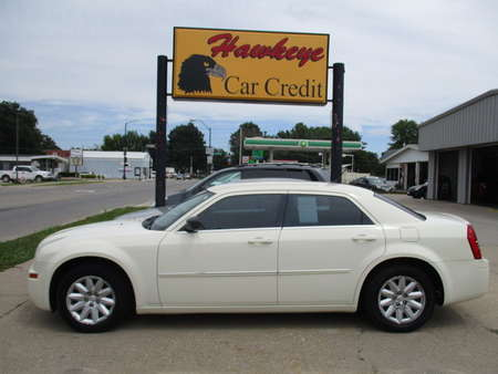 2008 Chrysler 300  for Sale  - 3808  - Hawkeye Car Credit - Newton