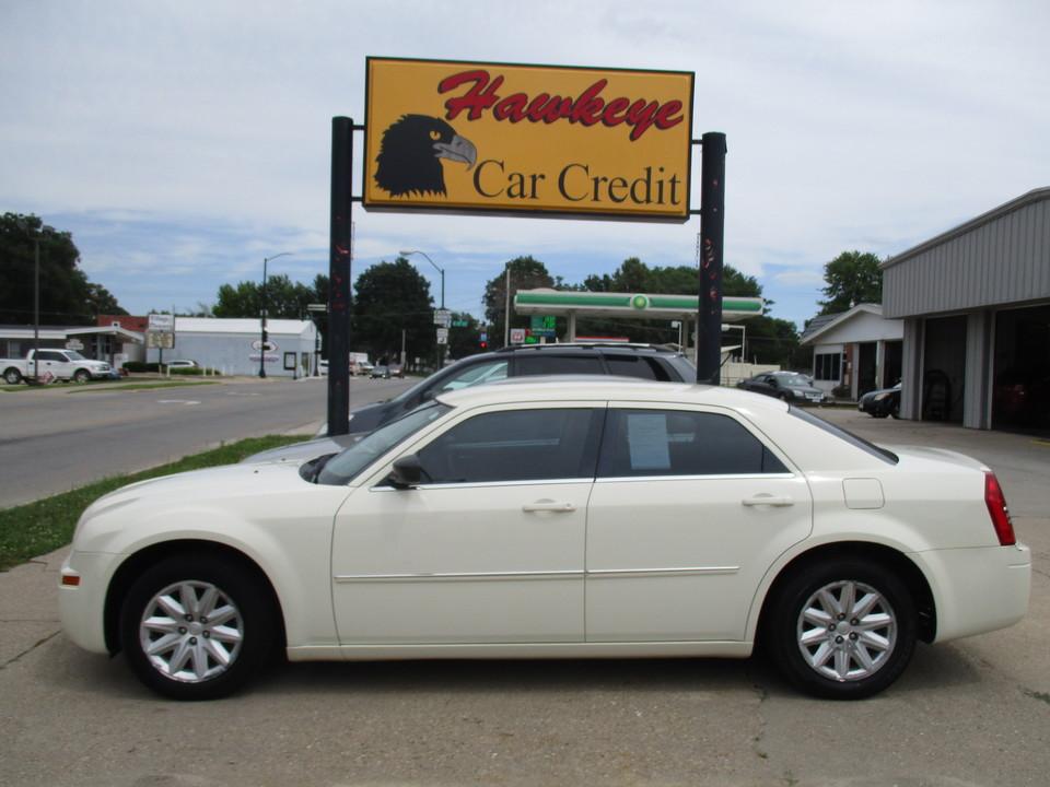 2008 Chrysler 300  - 3808  - Hawkeye Car Credit - Newton