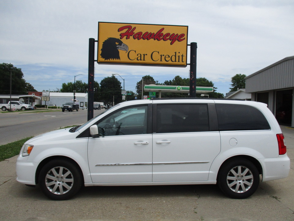 2014 Chrysler Town & Country  - Hawkeye Car Credit - Newton