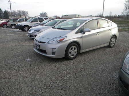 2011 Toyota Prius IV for Sale  - 325334  - Merrills Motors