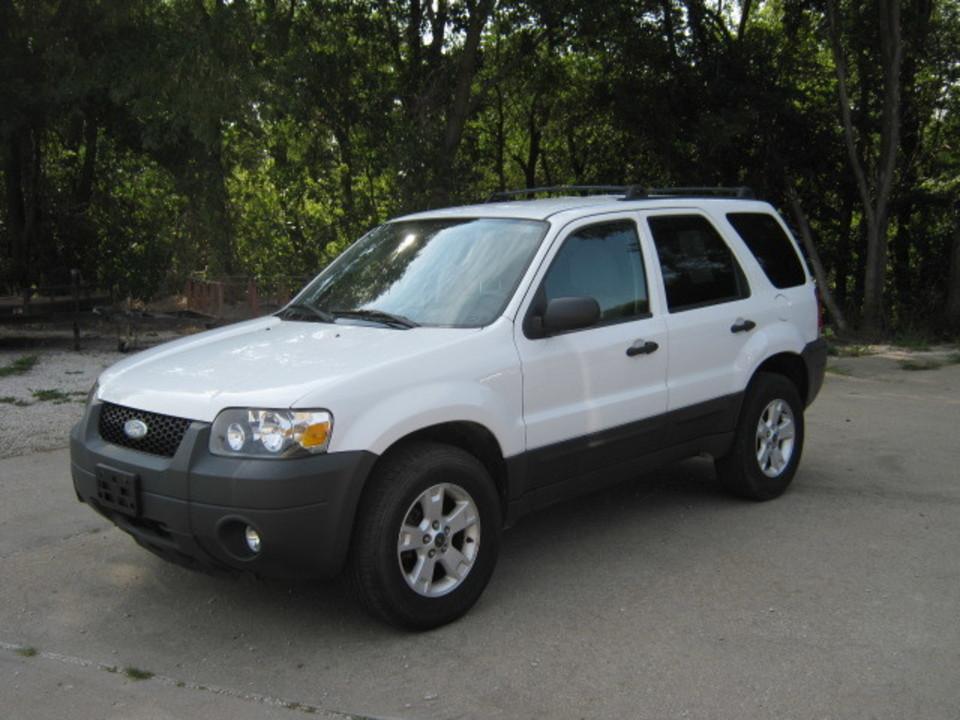 2007 Ford Escape  - Merrills Motors