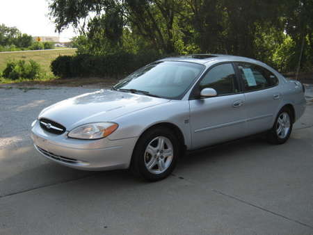 2000 Ford Taurus SEL for Sale  - 199383  - Merrills Motors
