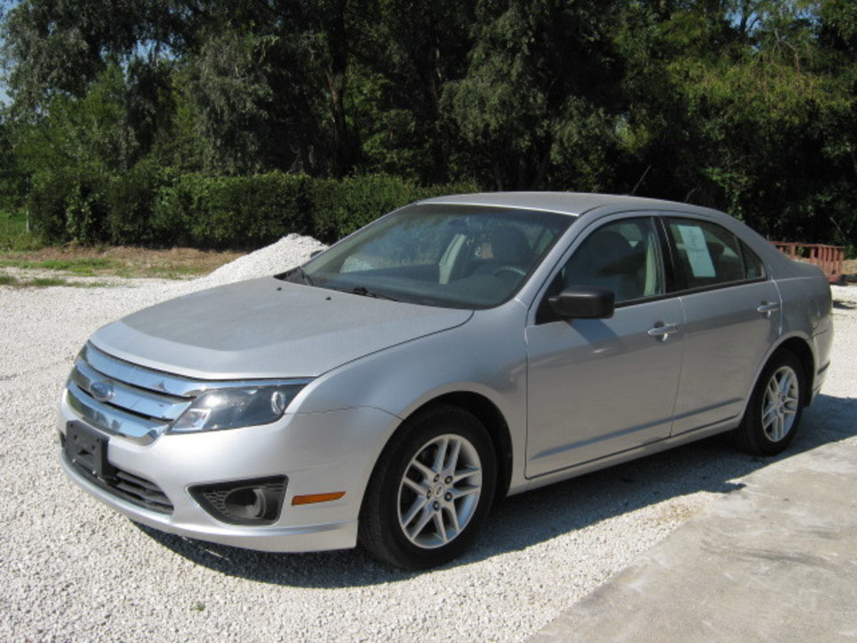 2010 Ford Fusion  - Merrills Motors