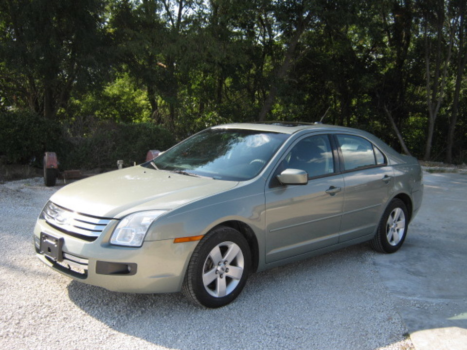 2009 Ford Fusion  - Merrills Motors