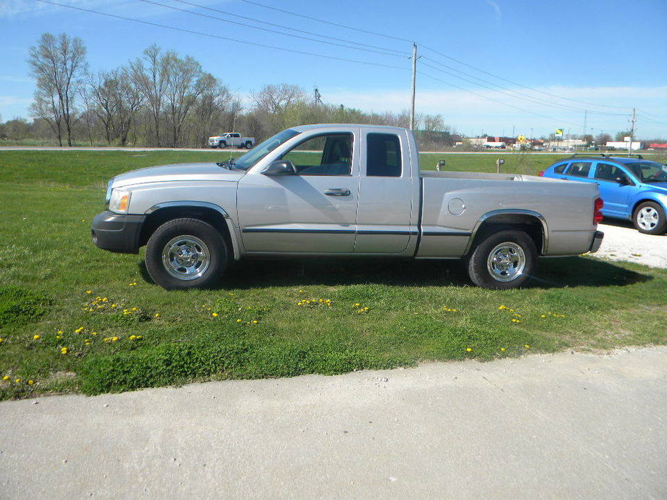 2006 Dodge Dakota  - Merrills Motors