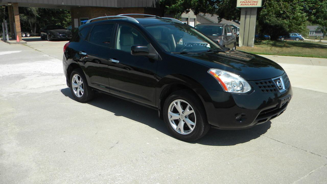 2010 Nissan Rogue SL  - 325447  - Merrills Motors