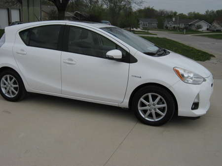 2012 Toyota Prius c Four for Sale  - 325326  - Merrills Motors