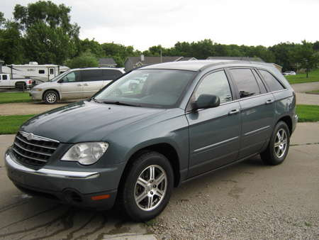 2007 Chrysler Pacifica Touring for Sale  - 214713  - Merrills Motors