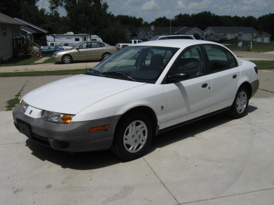 2000 Saturn SL  - Merrills Motors
