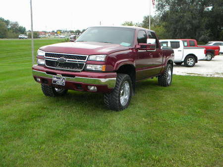 2006 Chevrolet Silverado 1500 LT2 for Sale  - 325400  - Merrills Motors