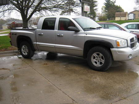 2005 Dodge Dakota SLT for Sale  - 325332  - Merrills Motors