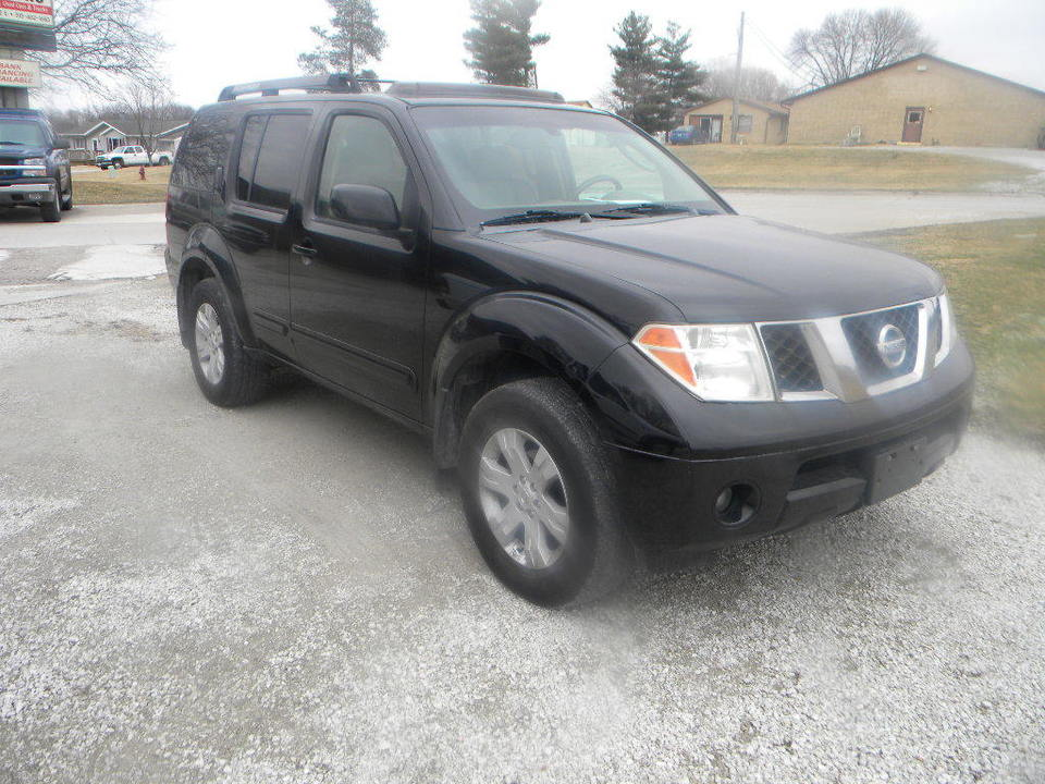 2005 Nissan Pathfinder  - Merrills Motors