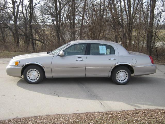 2001 Lincoln Town Car Executive Stock 728563 Winterset Ia 50273