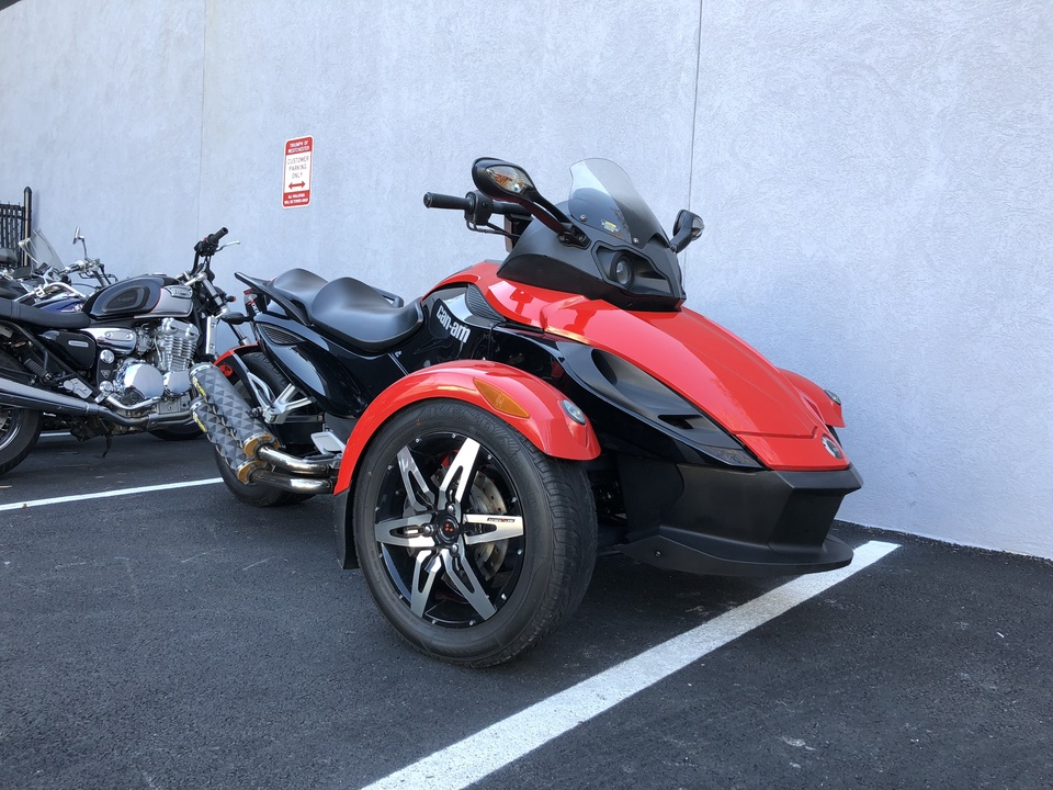 2009 Can Am Spyder  - Triumph of Westchester
